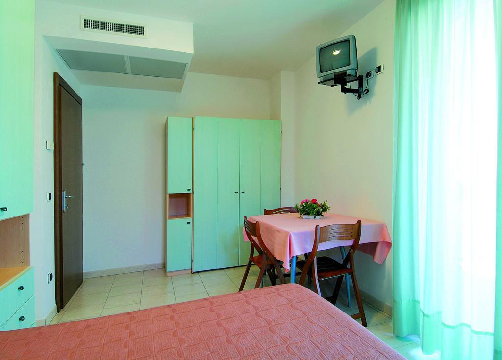 Apartamenti per vacanze sul mare a tortoreto lido in for Mini appartamenti arredati